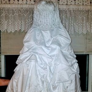 Oleg Cassini Wedding Dress 10P